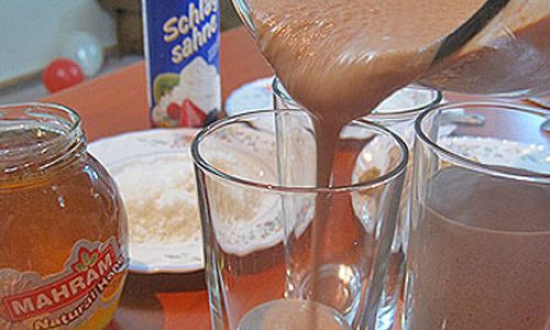 معجون چهارمغز و شیر مناسب برای افطار